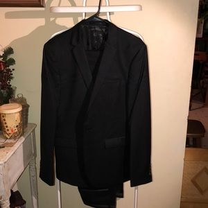 Men's GXG dress suit, with carrying bag.